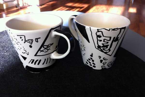 Porcelænsmaling på kopper med porcelænstusch