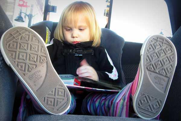 underholdning til bilferien - sjove lege man kan lave når man kører bil med børn