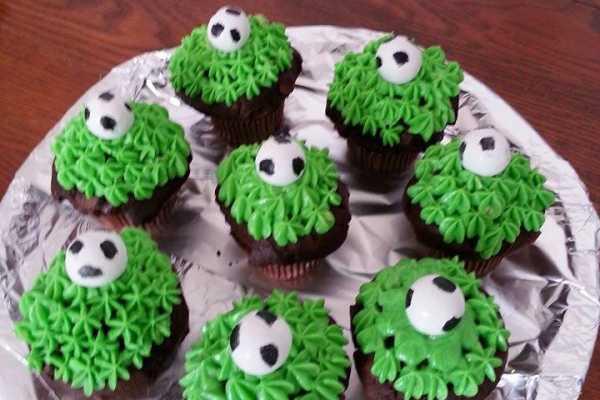 børnefødselsdag, fodboldfødselsdag, fodboldkager, cupcaks med fodbold