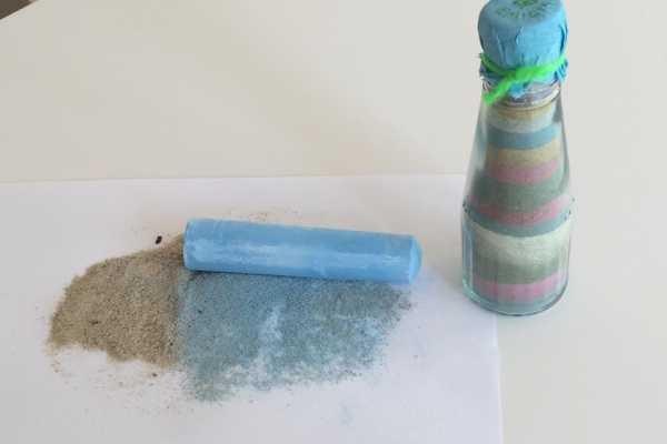 Farv sandet med kridt