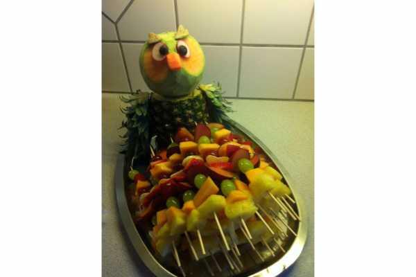 Frugt, uddeling i børnehaven, børnefødselsdag, ugle, frugtugle, frugtspyd