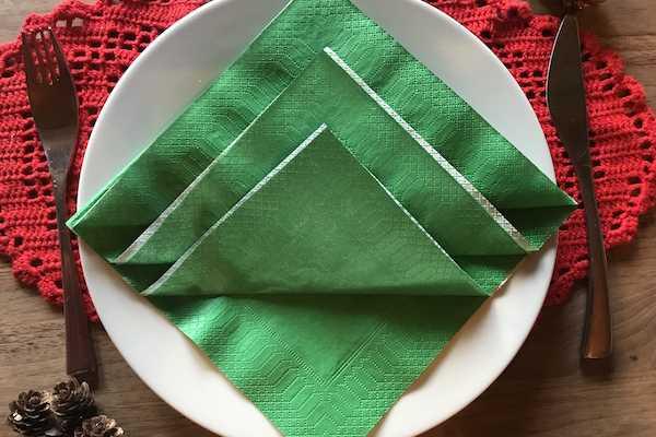 jul servietfoldning fold serviet som juletræ