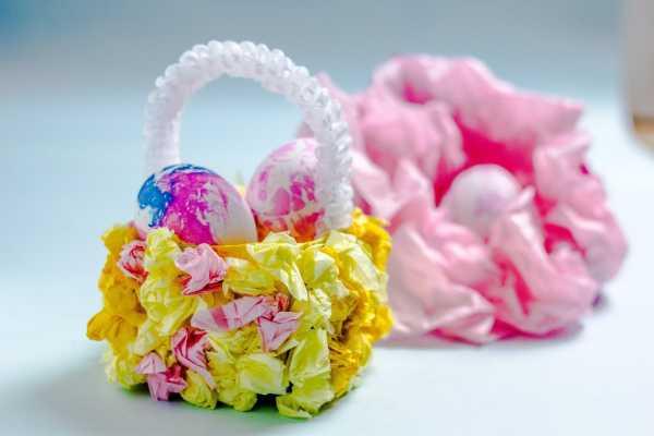 Marmorerede æg med aftryk af silkepapir