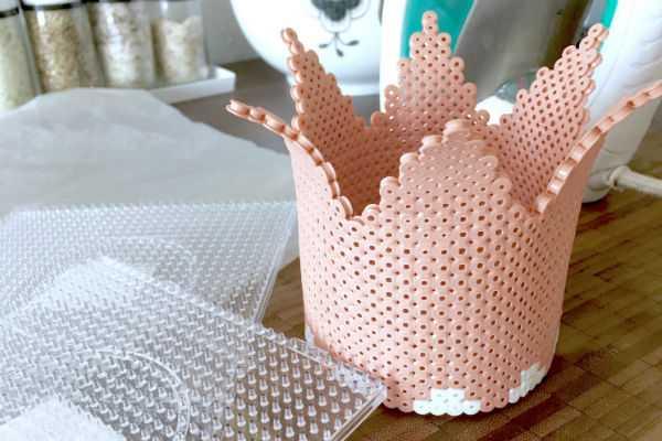Prinsessekrone af hamaperler rørperler