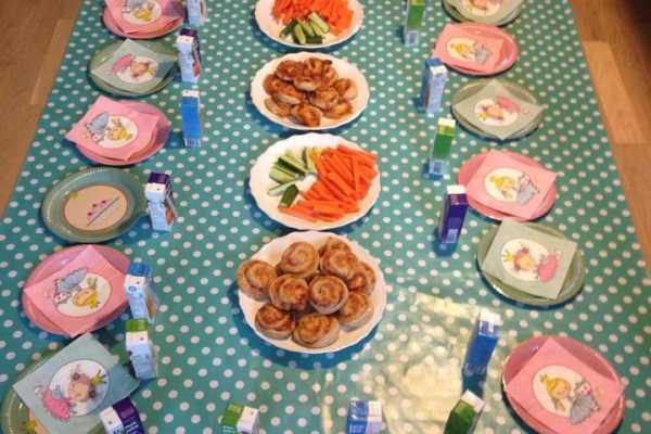 børnefødselsdag, regnbuefødselsdag, bordpynt