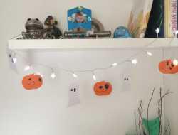 Lyskæde med spøgelser og græskar til halloween