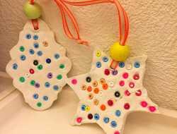 Juleophæng af selvhærdende ler og rørperler