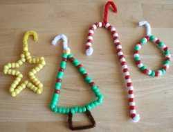julepynt til juletræet af piberensere og perler