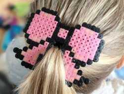 perleplade hårspænde med velcro